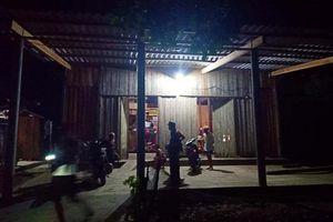 Nghệ An: Nam sinh lớp 8 bị bắn trọng thương khi giằng co súng với bố