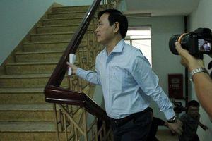 Xét xử sơ thẩm vụ ông Nguyễn Hữu Linh sàm sỡ trong thang máy: Tòa trả hồ sơ điều tra bổ sung