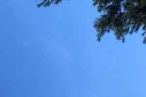 Người dân Mỹ sửng sốt vì trông thấy UFO lơ lửng trên bầu trời Kansas?