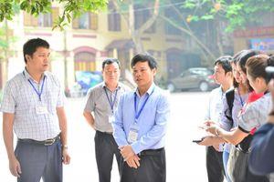 Phó Chủ tịch UBND TP Hà Nội kiểm tra điểm trường thi THPT Trần Phú - Hoàn Kiếm