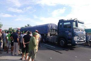 Hà Tĩnh: Cụ ông 71 tuổi tử vong sau va chạm với xe đầu kéo