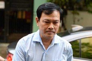 Clip: Ông Nguyễn Hữu Linh chạy trốn mọi người như... chạy giặc khi đến hầu tòa sáng nay
