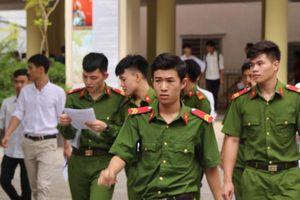 Ngắm sắc xanh quân phục tại kỳ thi THPT Quốc gia 2019