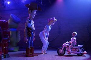 Không phải Woody, đây mới là 2 cô nàng chiếm trọn spotlight trong phim 'Toy Story 4'