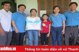 TP Sầm Sơn trao quà cho trẻ em, học sinh nghèo có hoàn cảnh khó khăn