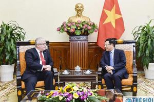 Phó Thủ tướng Phạm Bình Minh tiếp Đại sứ Úc chào từ biệt