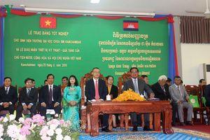 Việt Nam góp phần nâng cao chất lượng nguồn nhân lực cho Campuchia
