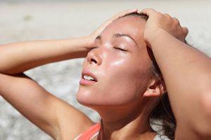 7 động tác Yoga giúp bạn 'hạ nhiệt' trong mùa Hè