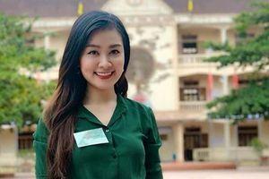 Nữ giám thị xinh đẹp 'gây thương nhớ' tại điểm thi THPT Quốc gia ở Nghệ An