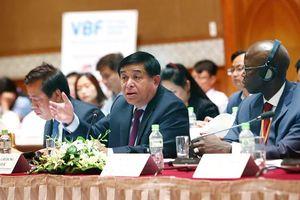500 đại biểu tham dự Diễn đàn Doanh nghiệp Việt Nam giữa kỳ 2019