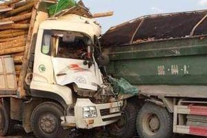 Tai nạn trên cầu Thanh Trì, hai người tử vong trong ca bin
