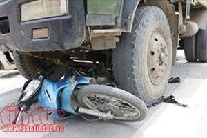 Thanh Hóa: Tai nạn giao thông nghiêm trọng làm 2 người chết, 2 người bị thương