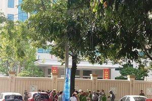 50 người dân biển Hải Tiến tập trung thâu đêm trước trụ sở Công an tỉnh Thanh Hóa
