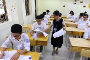 Bốn thí sinh phải thi lại với đề dự bị do lỗi của cán bộ coi thi