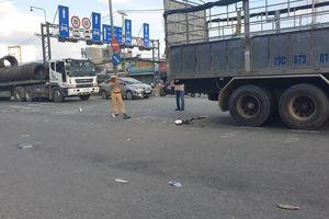 Người đi xe máy tử vong sau va chạm với xe tải trên Quốc lộ 1