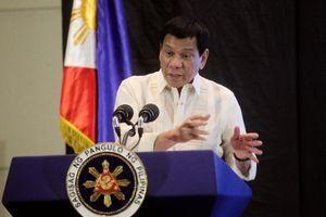 Ông Duterte cải chính, nói không cho tàu Trung Quốc đánh bắt trong vùng biển Philippines