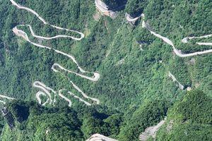 Thiên Môn sơn và con đường 99 khúc cua 'huyền thoại'