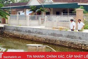 Bể cạn nước mưa, người dân Đức Thọ cải tạo 30 giếng làng 'chống khát'