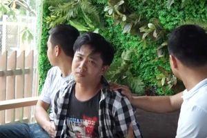 Nóng: Bắt quả tang gã trai trẻ dùng clip 'nóng' tống tiền người tình hơn 14 tuổi