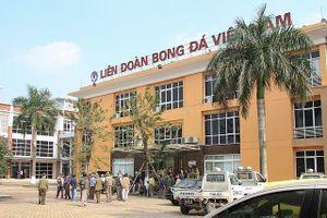 Ngôi nhà bóng đá Việt Nam, khi mỗi người nhìn về một hướng