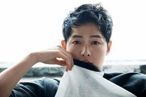 Song Joong Ki vẫn an nhiên đi xem ca nhạc vào ngày đệ đơn ly hôn Song Hye Kyo?