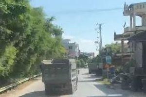 Xe tải liên tục 'nhảy múa' khắp đường ở Hưng Yên