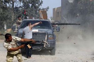 Quân đội Quốc gia Libya tấn công lớn chiếm Tripoli