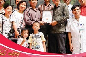 Đi hiến máu để kỷ niệm Ngày Gia đình Việt Nam