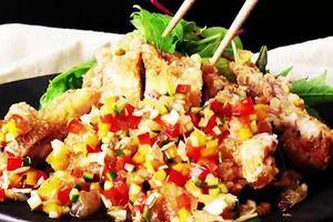 Giòn ngon với món gà rán sốt rau củ nấu siêu tốc 15 phút