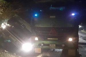 Sơn La: Xe bồn va chạm xe đầu kéo, 1 người tử vong