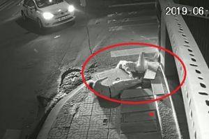 Gã tài xế tàn độc đứng nhìn nạn nhân vùng vẫy rồi bỏ đi ở TP.HCM khai gì?