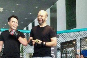 Tỉ thí quyết liệt, cao thủ Vịnh Xuân Nam Anh Flores hạ gục võ sĩ Lưu Cường