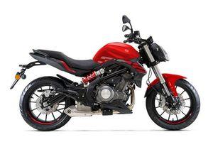 Naked bike giá gần 120 triệu ở Việt Nam có gì để cạnh tranh với Yamaha YZF-R3?