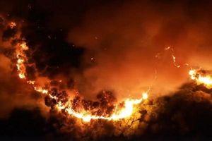 Clip: Núi Hồng Lĩnh rực lửa nhìn từ flycam
