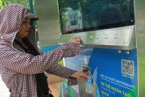 Cây lọc nước thông minh cung cấp nước miễn phí cho người dân Thủ đô