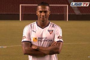 Valencia trở về quê nhà thi đấu sau khi rời M.U