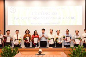 Chủ tịch Nguyễn Đức Chung trao quyết định bổ nhiệm lại Tổng biên tập và Phó Tổng Biên tập báo Kinh tế & Đô thị