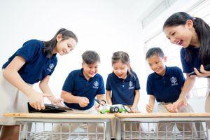 Nhà giáo tương lai và robot: Cuộc cạnh tranh trong vai trò dạy học