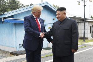 Tổng thống Trump có 'ngày huyền thoại, lịch sử' ở Triều Tiên