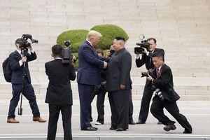 Video trọn vẹn cuộc gặp giữa Tổng thống Donald Trump và Chủ tịch Kim Jong Un tại Bàn Môn Điếm