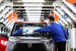 Ngành chế tạo của Trung Quốc vẫn suy giảm