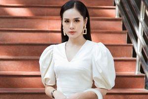 Bạn gái sao U23 Việt Nam gây sốt khi vào chung kết Hoa hậu