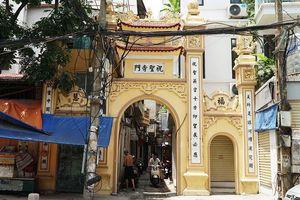 Chuyện những cổng làng trên con phố cổ Hà Nội, nơi người dân có một nhịp sống 'khác lạ'