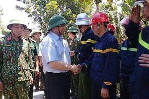 Trưởng ban tổ chức Trung ương kiểm tra việc chữa cháy rừng tại Hà Tĩnh