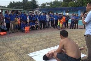 Phòng tránh đuối nước bằng chủ động dạy kỹ năng bơi lội