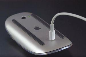 Những thiết kế 'thảm họa' của Jony Ive khi còn ở Apple