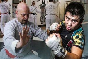 Flores nhận thách đấu Từ Hiểu Đông, Trương Đình Hoàng nói thẳng