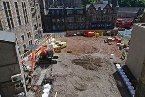 'Kho báu' và hài cốt ngàn năm xuất hiện ở công trường xây dựng