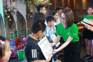 Thắp lên niềm vui cho con em đối tác GrabCar cùng 580 suất học bổng giá trị