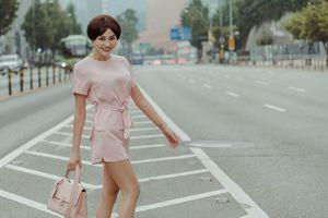 Trần Huyền Nhung Style trẻ trung xuất hiện trên đường phố Hàn Quốc